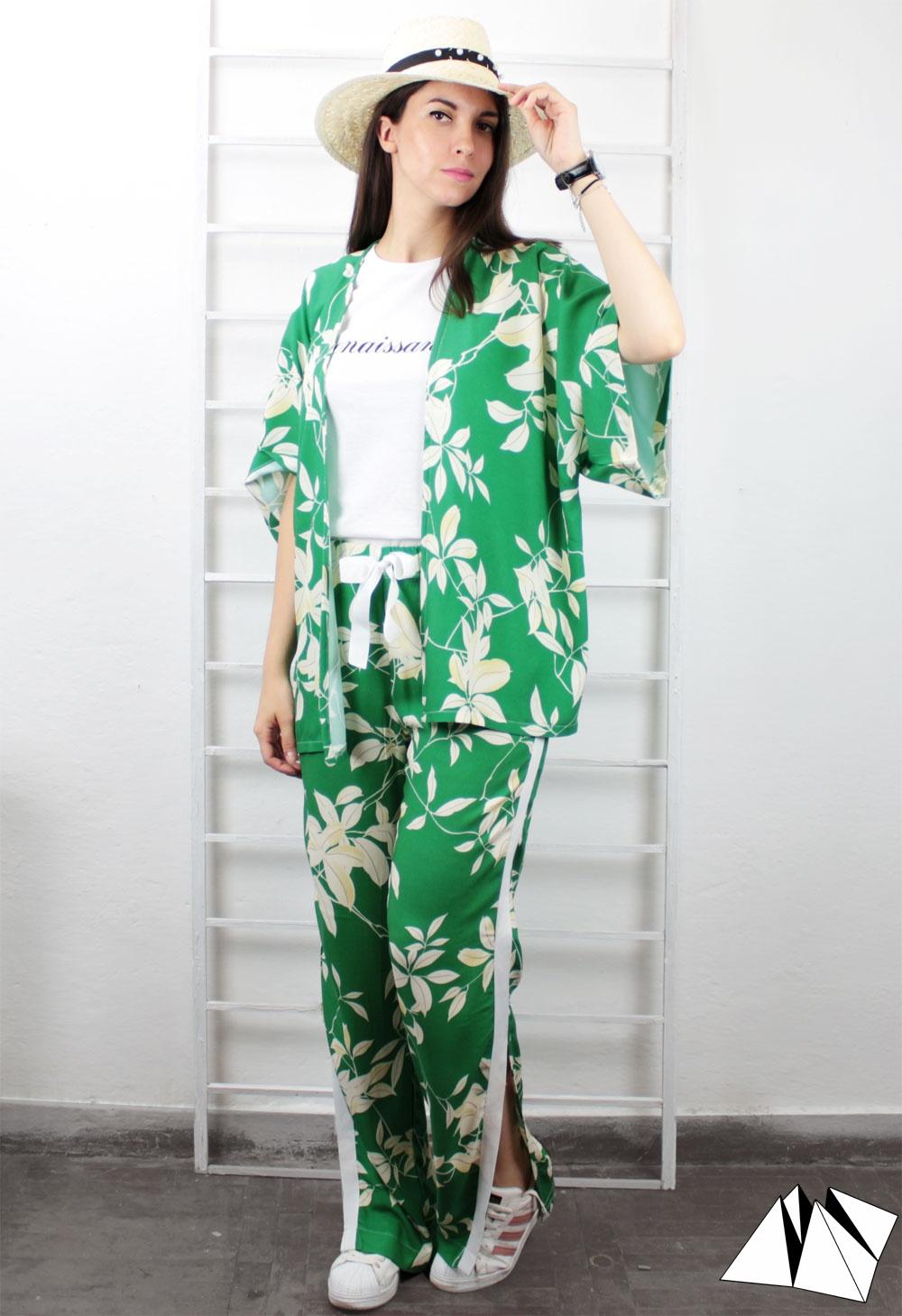 Half sleeve short green kimono with floral print fold your mind jpg  1000x1459 Short green kimono 48b998213